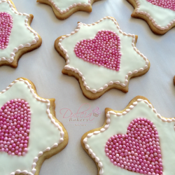 Plaque with heart cookie cutter